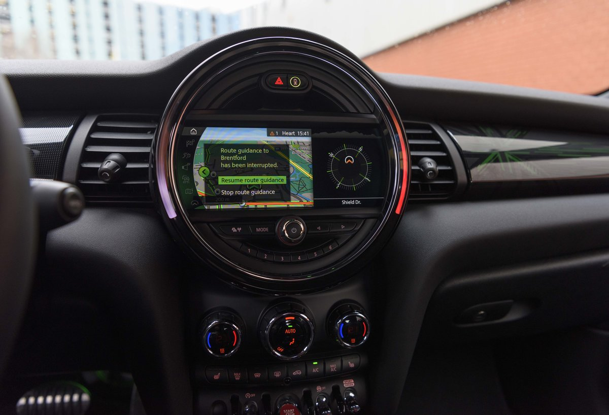 2019 Mini John Cooper Works Cabriolet (LHD) For Sale (picture 12 of 23)