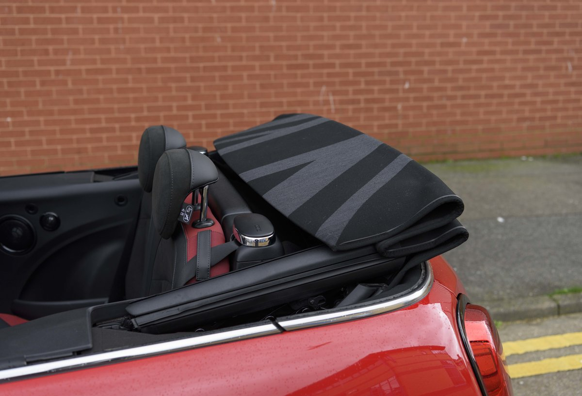 2019 Mini John Cooper Works Cabriolet (LHD) For Sale (picture 20 of 23)