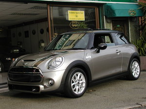 2016 MINI COOPER S 3-DOOR 2.0 Panoramic Glass Sunroof - Leather For Sale