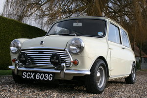 1969 Morris Mini Cooper MK2 in excellent Condition Throughout For Sale
