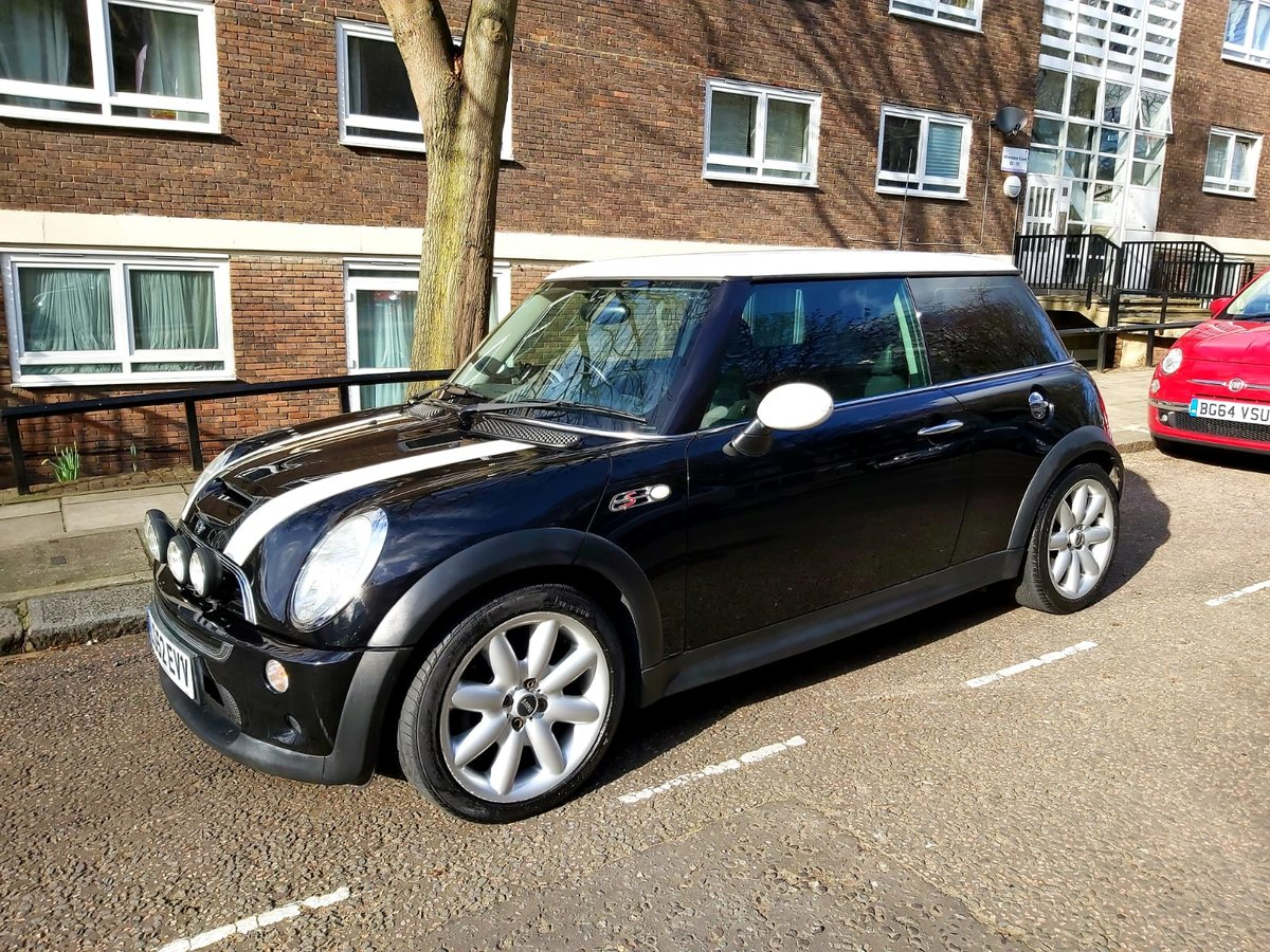 2002 Mini Cooper S low mileage genuine future classic For Sale (picture 1 of 5)