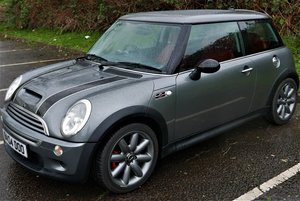 2004 Mini low miles red heated leather For Sale