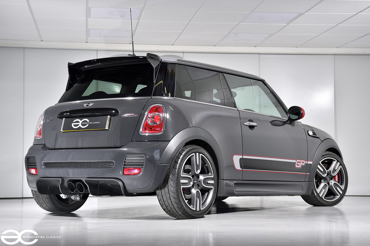 2012 A Superb & Collectable Mini GP2 with just 1,976 Miles! SOLD (picture 4 of 6)