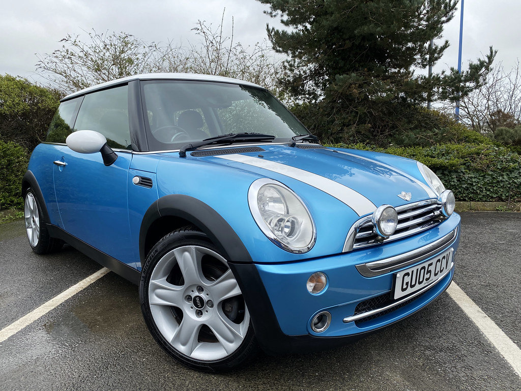 2005 Mini Cooper - with just 57,000 miles For Sale (picture 2 of 6)