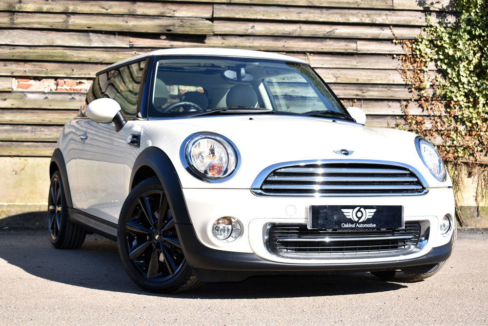2011 Mini 1.6 Cooper Auto (61) Low Mileage+FSH+Chili+£7.5k Extras For Sale (picture 1 of 6)
