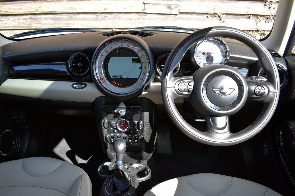 2011 Mini 1.6 Cooper Auto (61) Low Mileage+FSH+Chili+£7.5k Extras For Sale (picture 4 of 6)