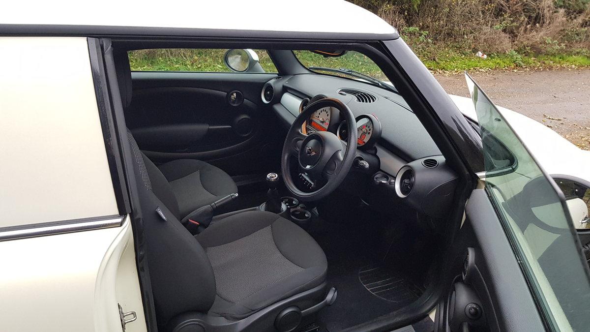 2014 MINI Clubvan 6 Speed Diesel SOLD (picture 5 of 6)