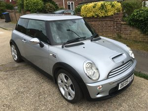 2005 MINI Cooper S with JCW AIrbox