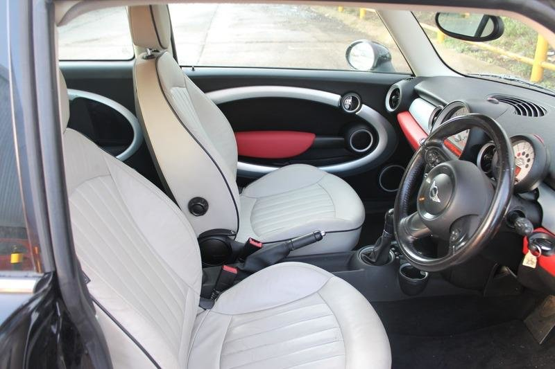 2011 Mini Clubman 1.6 (Sport Chili Pack) AUTO For Sale (picture 3 of 6)