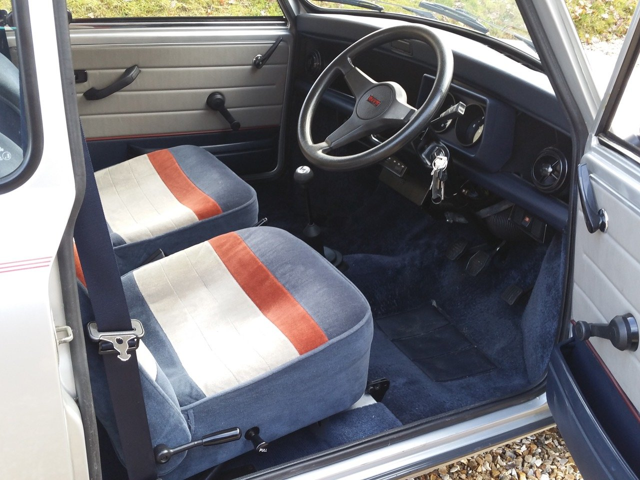 1992 'Time Warp' Mini Ritz On Just 3820 Miles From New SOLD (picture 6 of 10)