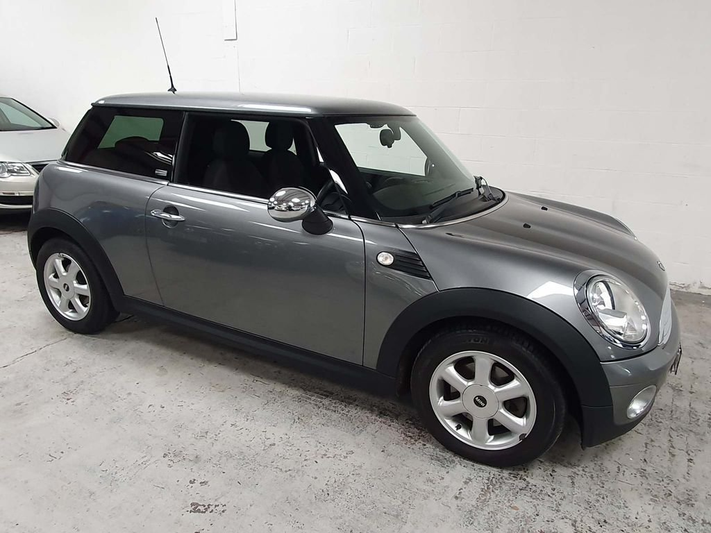 2009 SILVER MINI HATCH 1.4 ONE GRAPHITE* GEN 30,000 MILES*GREAT For Sale (picture 4 of 6)