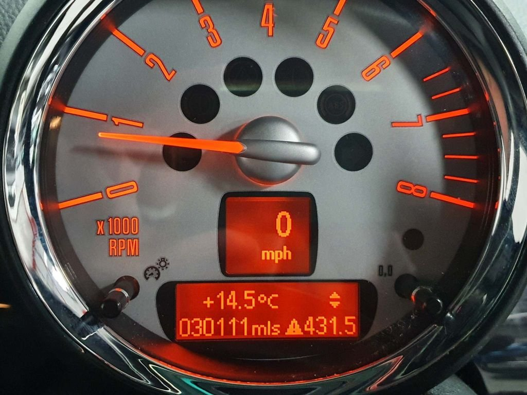2009 SILVER MINI HATCH 1.4 ONE GRAPHITE* GEN 30,000 MILES*GREAT For Sale (picture 6 of 6)