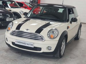 CREAM WHITE MINI HATCH 1.6 COOPER* GEN 36,000 MILES*STUNNING