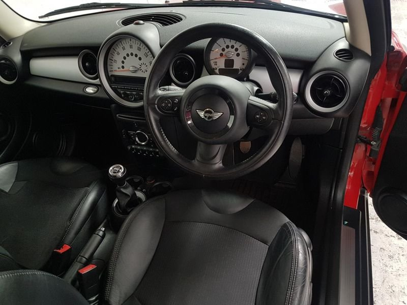 2011 MINI HATCH 1.6 COOPER*GEN 34,00 MILES*OVER 3K WTH OF EXTRAS For Sale (picture 5 of 6)
