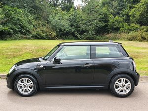 Mini Cooper 1.6.. Only 31k Genuine Miles.. Chilli Spec.. FSH