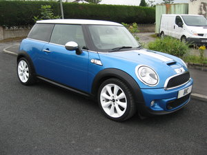 2010 60-reg Mini 1.6 Cooper S Finished in blue metallic For Sale