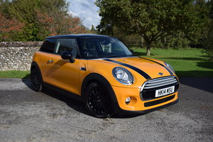 Picture of 2014/14 Mini Cooper Hatch 1.5 Turbo - High Spec - FMSH