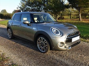 Picture of 2018/68 Mini Cooper S Exclusive 5-Dr Hatch - Silver/Beige