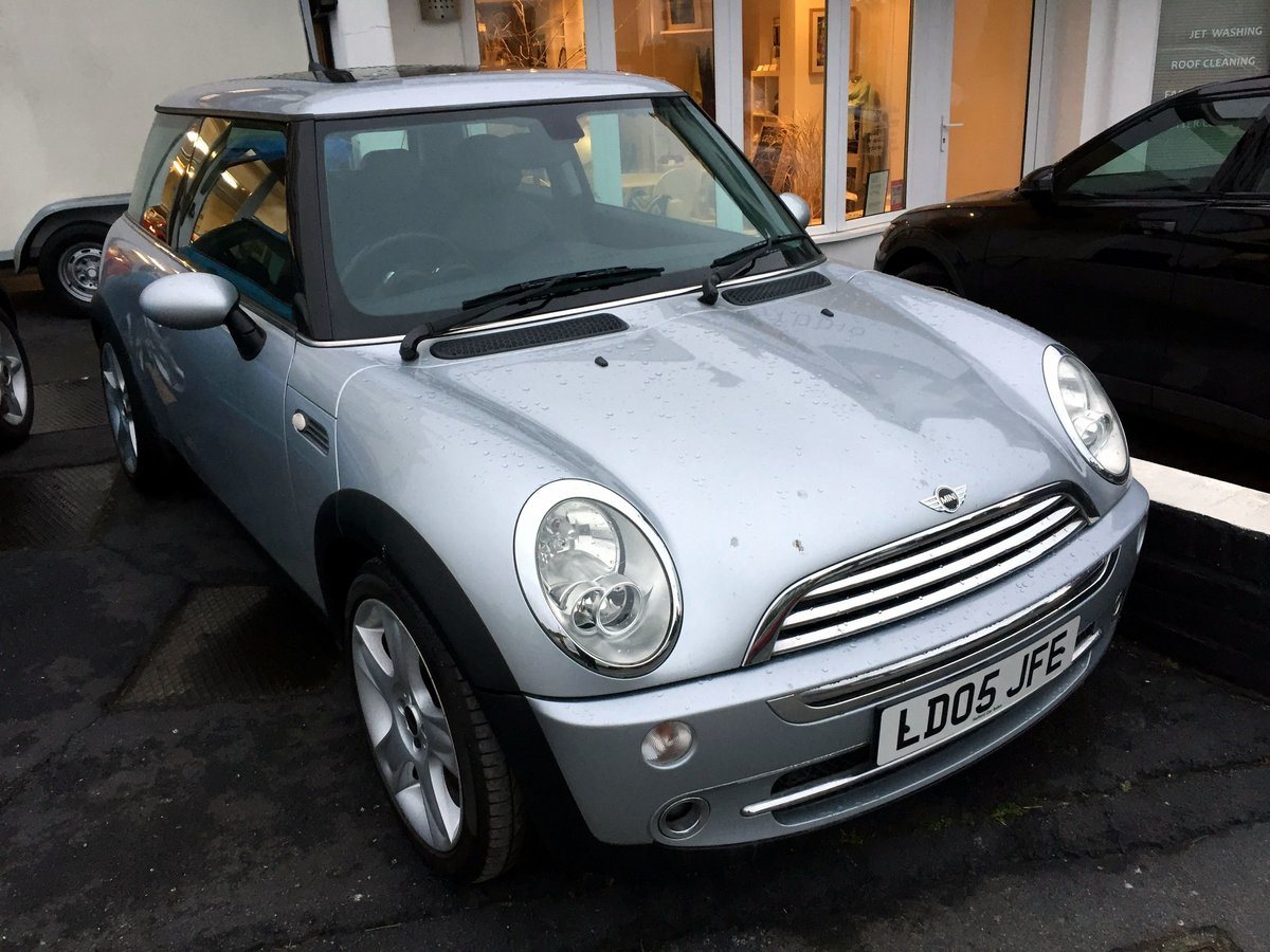2005 MINI COOPER RC53 MANUAL 3 DOOR HATCHBACK For Sale by Auction (picture 2 of 8)