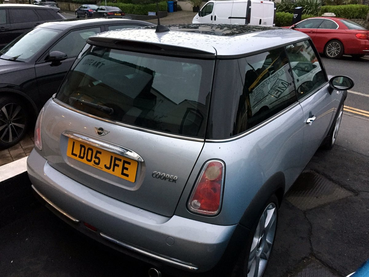 2005 MINI COOPER RC53 MANUAL 3 DOOR HATCHBACK For Sale by Auction (picture 5 of 8)