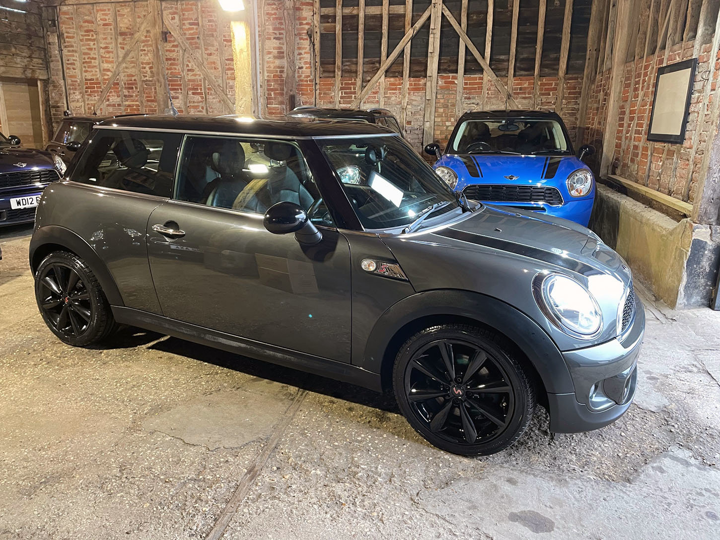 2011 MINI 1.6 Cooper S Chili Low Mileage+FSH **Reserved** SOLD (picture 1 of 8)