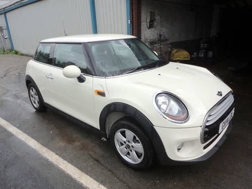 2014 Mini Cooper D 1.5 TD 114bhp Diesel - Requires engines For Sale (picture 1 of 6)