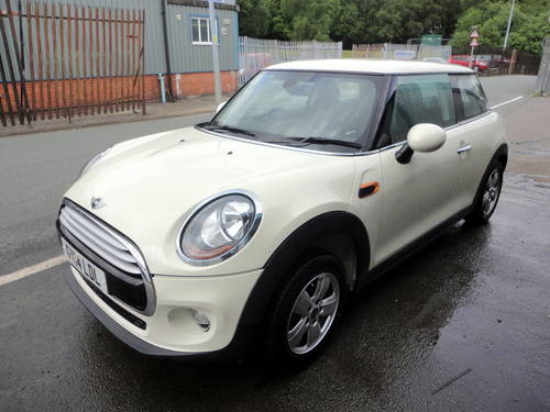 2014 Mini Cooper D 1.5 TD 114bhp Diesel - Requires engines For Sale (picture 2 of 6)