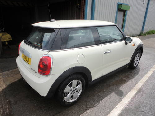 2014 Mini Cooper D 1.5 TD 114bhp Diesel - Requires engines For Sale (picture 3 of 6)