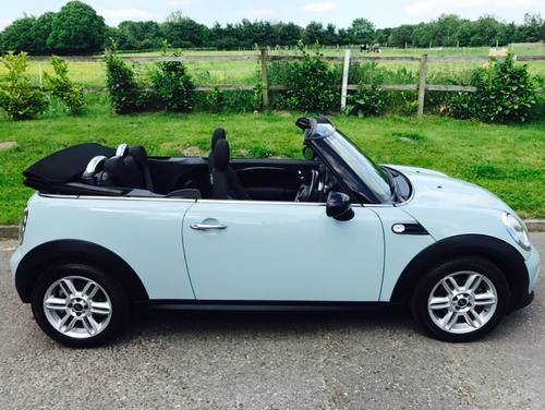 2011 MINI Cooper 1.6 Convertible Ice Blue Chili Pack SOLD (picture 2 of 6)