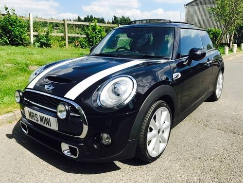 2014 MINI Cooper S 2.0 Midnight Black Metallic Chili Pack  SOLD (picture 1 of 6)