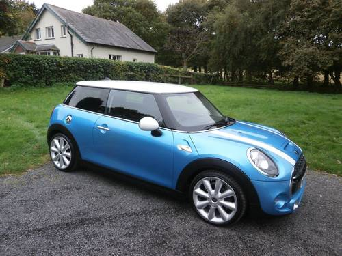 2015 MINI COOPER 'S' 2.0 BLUE/WHITE MEGA SPEC STUNNING!!!! SOLD (picture 1 of 6)