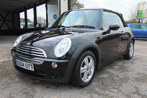 2004 MINI CONVERTIBLE 1.6 COOPER 2DR SOLD (picture 1 of 6)