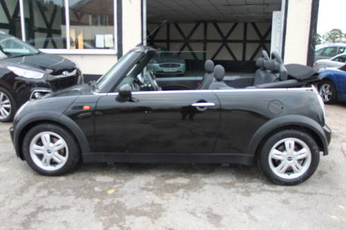 2004 MINI CONVERTIBLE 1.6 COOPER 2DR SOLD (picture 2 of 6)