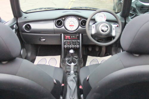 2004 MINI CONVERTIBLE 1.6 COOPER 2DR SOLD (picture 6 of 6)