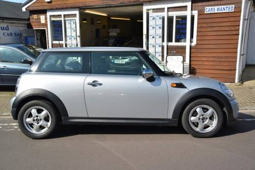 2010 (60) MINI ONE 1.6 3 Door Hatchback SOLD (picture 3 of 6)