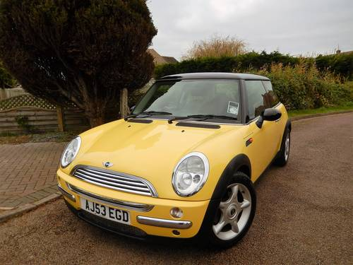 2003 Mini Cooper With 1 Owner From New & Only 17,900 Miles For Sale (picture 2 of 6)