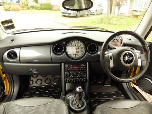 2003 Mini Cooper With 1 Owner From New & Only 17,900 Miles For Sale (picture 3 of 6)