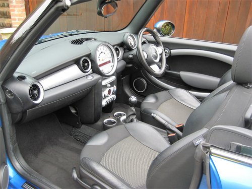 2010 Mini Cooper S Convertible With JCW Bodykit+17 For Sale (picture 3 of 6)