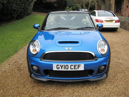 2010 Mini Cooper S Convertible With JCW Bodykit+17 For Sale (picture 6 of 6)