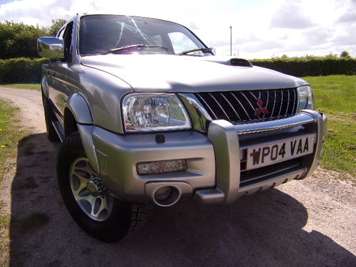 2004 Mitsubishi L200 2.5TD Warrior 4x4 Double Cab (100,794 m) For Sale (picture 1 of 6)