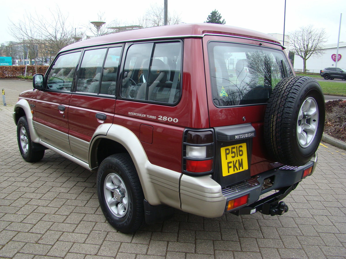 1996 SHOGUN 2.8 TD GLS LWB AUTO ++ JUST 45K MILES FROM NEW ++  SOLD (picture 4 of 6)