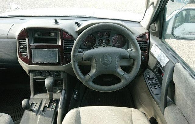 2002 MITSUBISHI PAJERO RARE SHOGUN EXCEED 3.5 AUTO 4X4 7 SEATER  For Sale (picture 6 of 6)