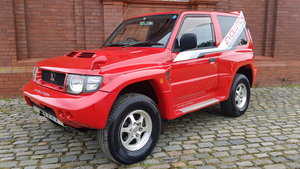 MITSUBISHI PAJERO EVOLUTION IN PASSION RED RARE SHOGUN 4X4 *
