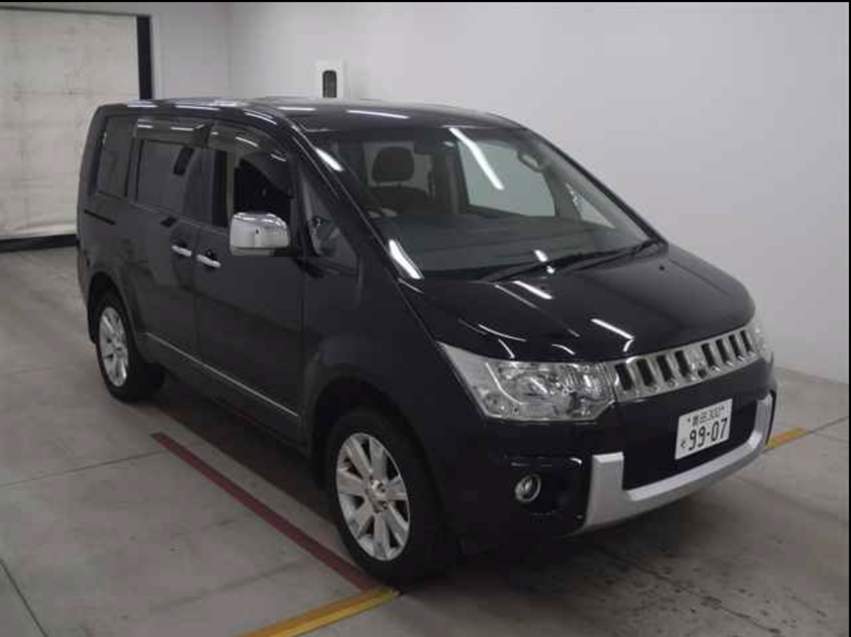 2009 Available Now - Fantastic - top of the range 4WD Delica . For Sale (picture 1 of 6)