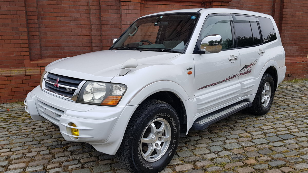 2002 MITSUBISHI PAJERO RARE SHOGUN EXCEED 3.5 AUTO 4X4 7 SEATER  For Sale (picture 1 of 6)