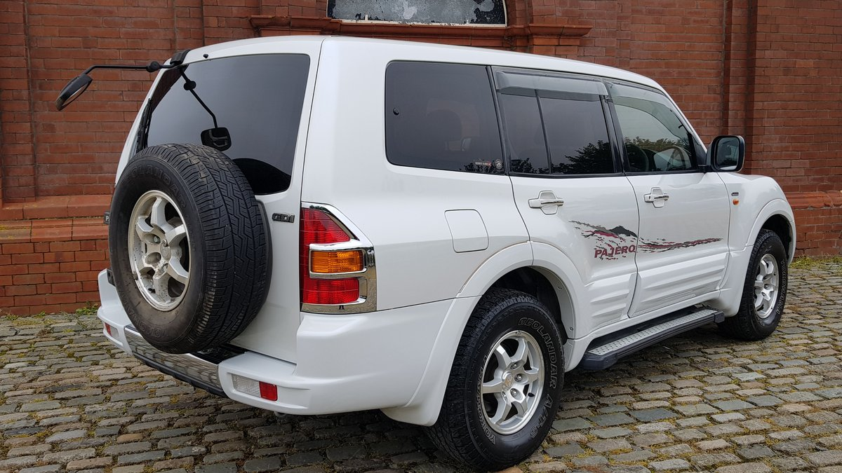 2002 MITSUBISHI PAJERO RARE SHOGUN EXCEED 3.5 AUTO 4X4 7 SEATER  For Sale (picture 2 of 6)