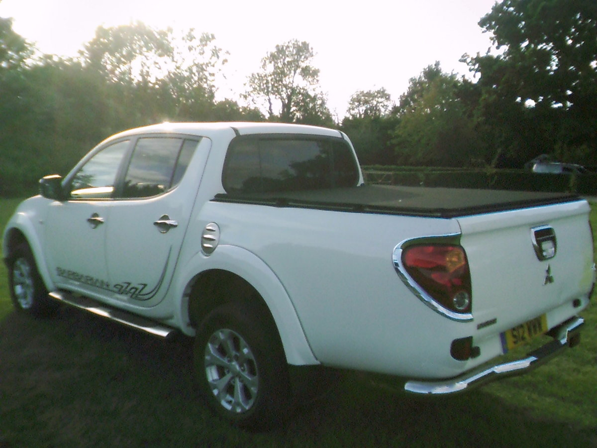 2011 low mileage double cab barbarian with full leather and air  For Sale (picture 2 of 6)
