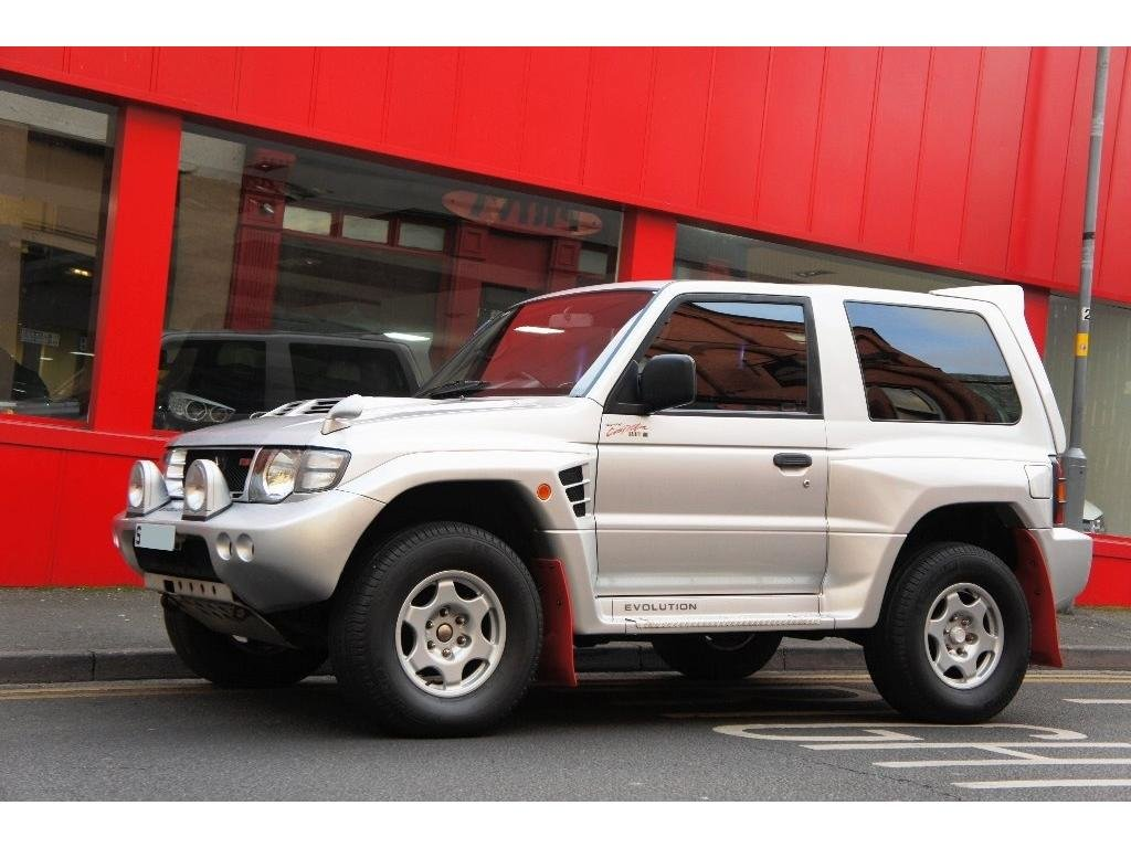 1999 Mitsubishi Pajero 3.5 MIVEC EVOLUTION RALLIART For Sale (picture 3 of 6)