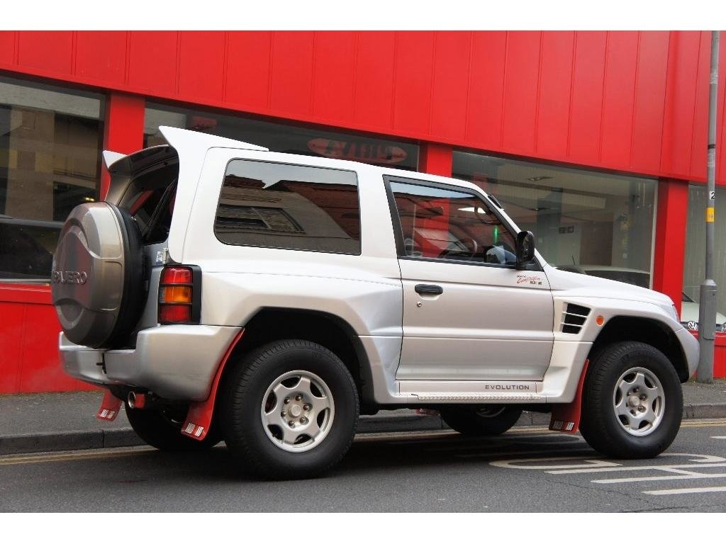 1999 Mitsubishi Pajero 3.5 MIVEC EVOLUTION RALLIART For Sale (picture 4 of 6)