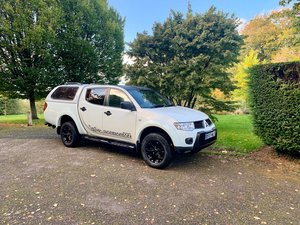 2013 mitsubishi l200 barbarian-black!  1 owner!  For Sale
